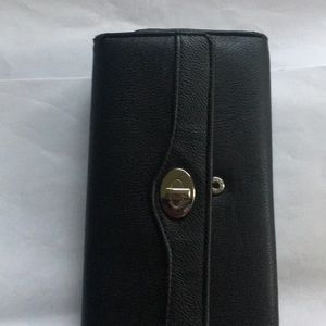 Organizer wallet with the card scan security